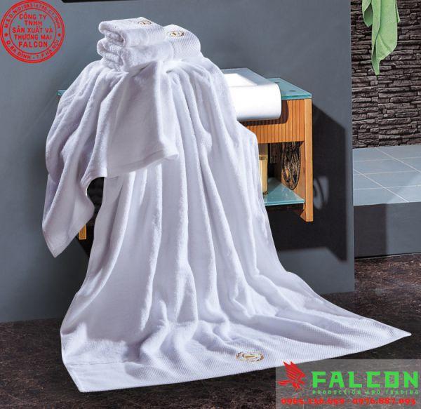 khăn tắm chất lượng cao cấp trong phòng tắm